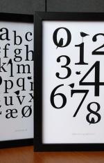 Grafiske plakater i sort/hvid med tal, bogstaver og fugle